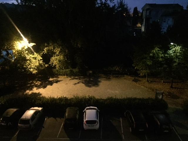 Il parcheggio la sera tardi